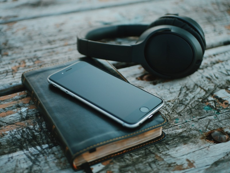 6 Podcasts You Need to Tune Into for Business Success